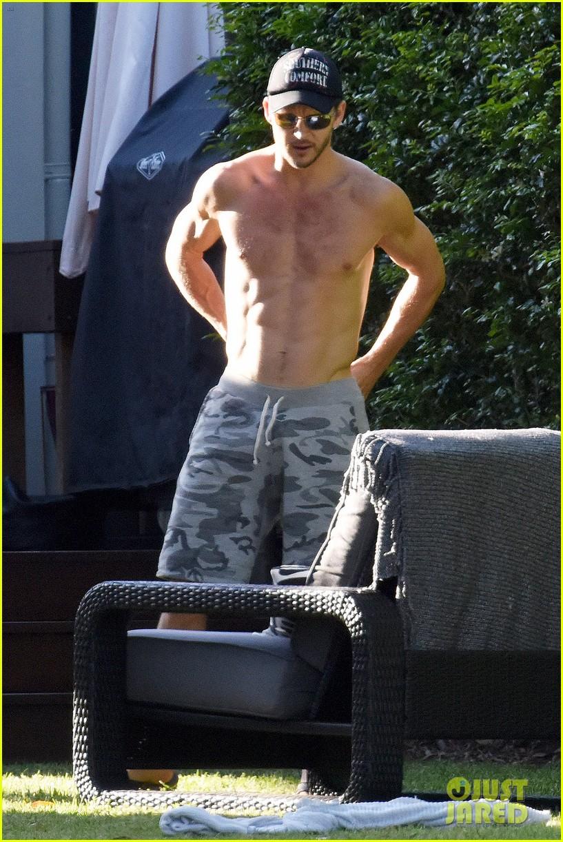 ryan kwanten shows off amazing shirtless body in australia 053222922