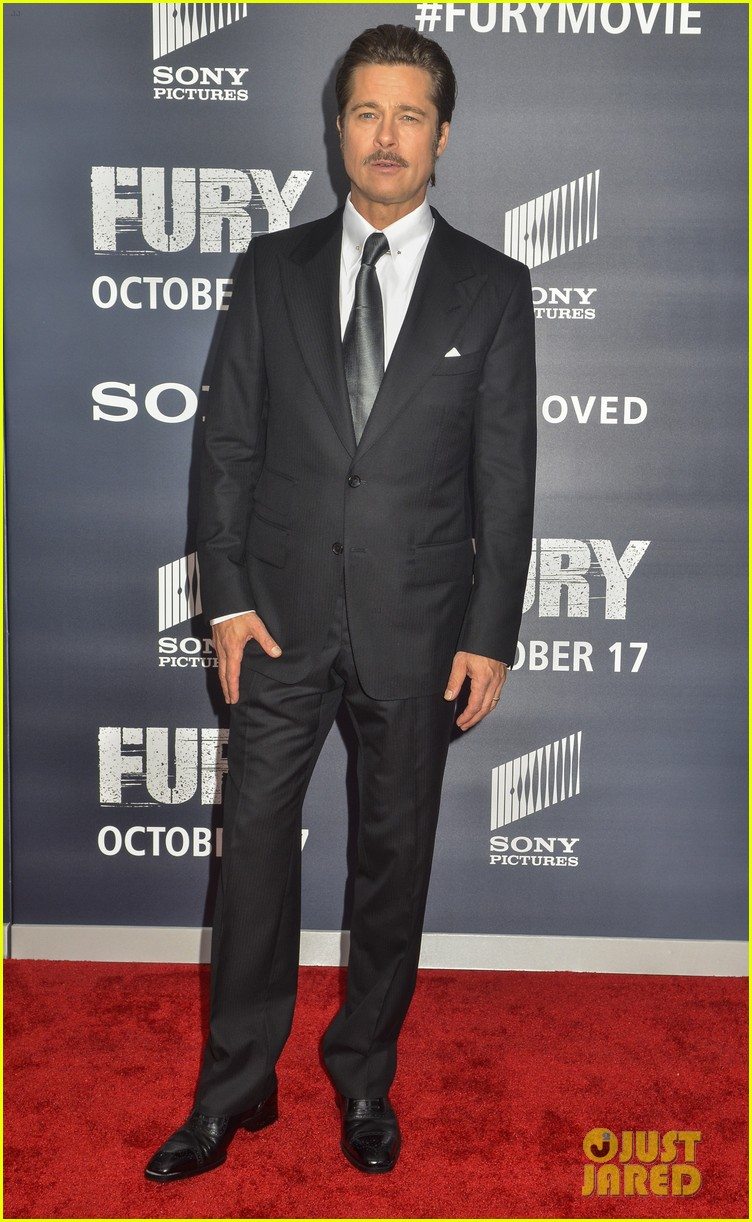 Full Sized Photo of brad pitt red carpet fury dc premiere ... джастин бибер