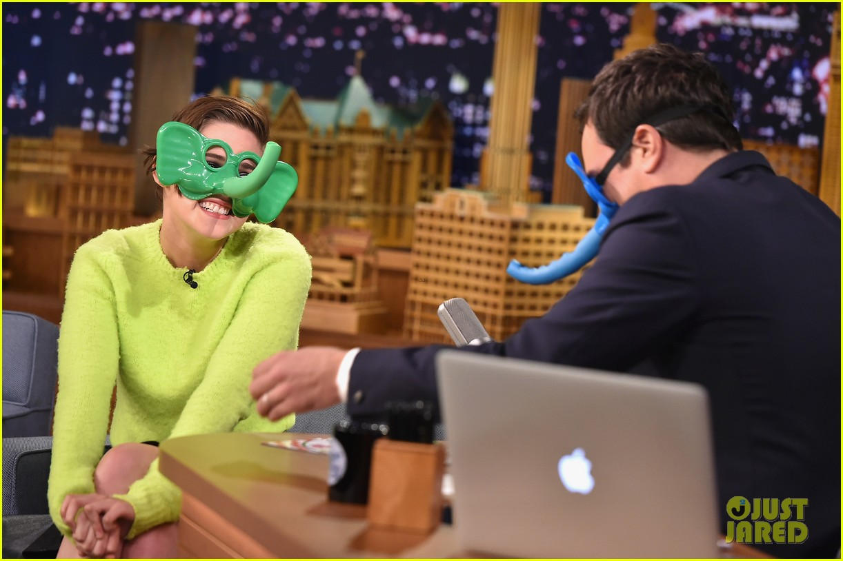 Kristen stewart plays ring around the nosy with jimmy fallon
