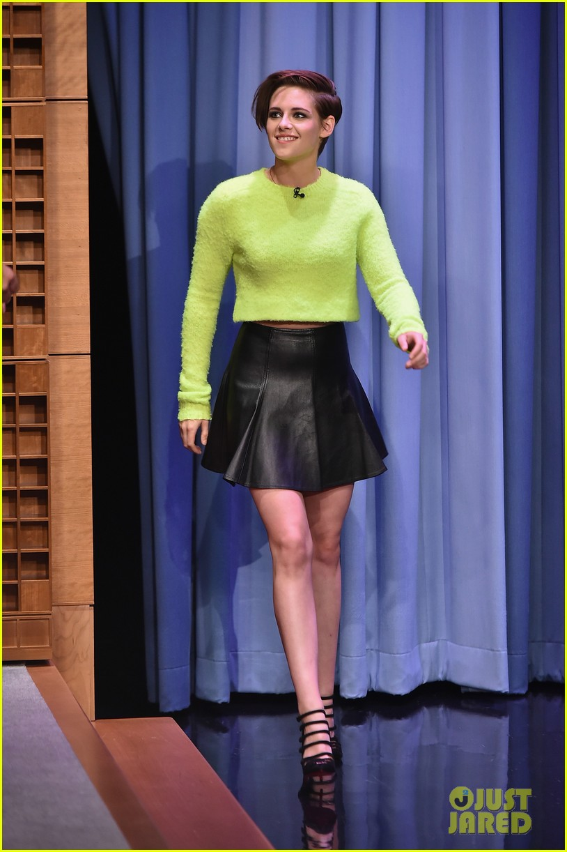 Kristen stewart plays ring around the nosy with jimmy fallon photo