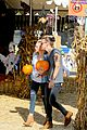 harry styles goes pumpkin picking with erin foster 07