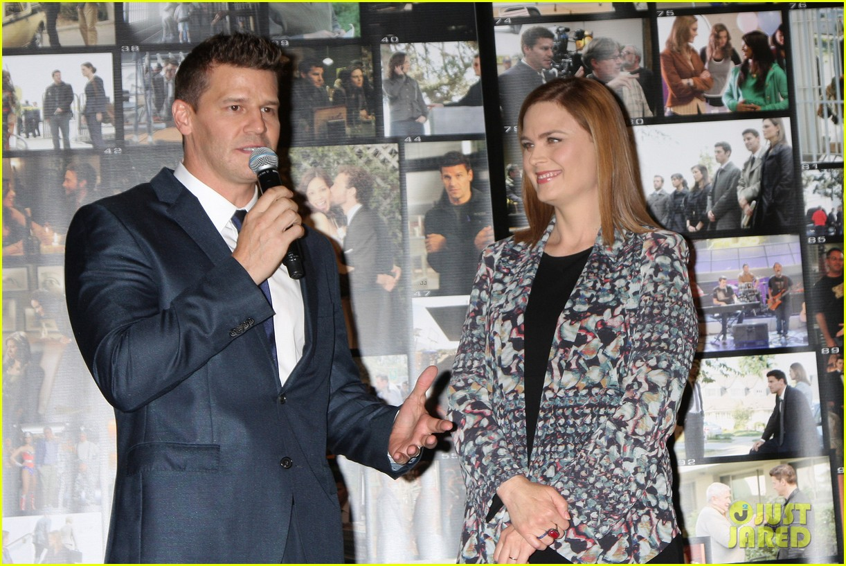 Emily Deschanel & David Boreanaz Celebrate Bones' 200th ...