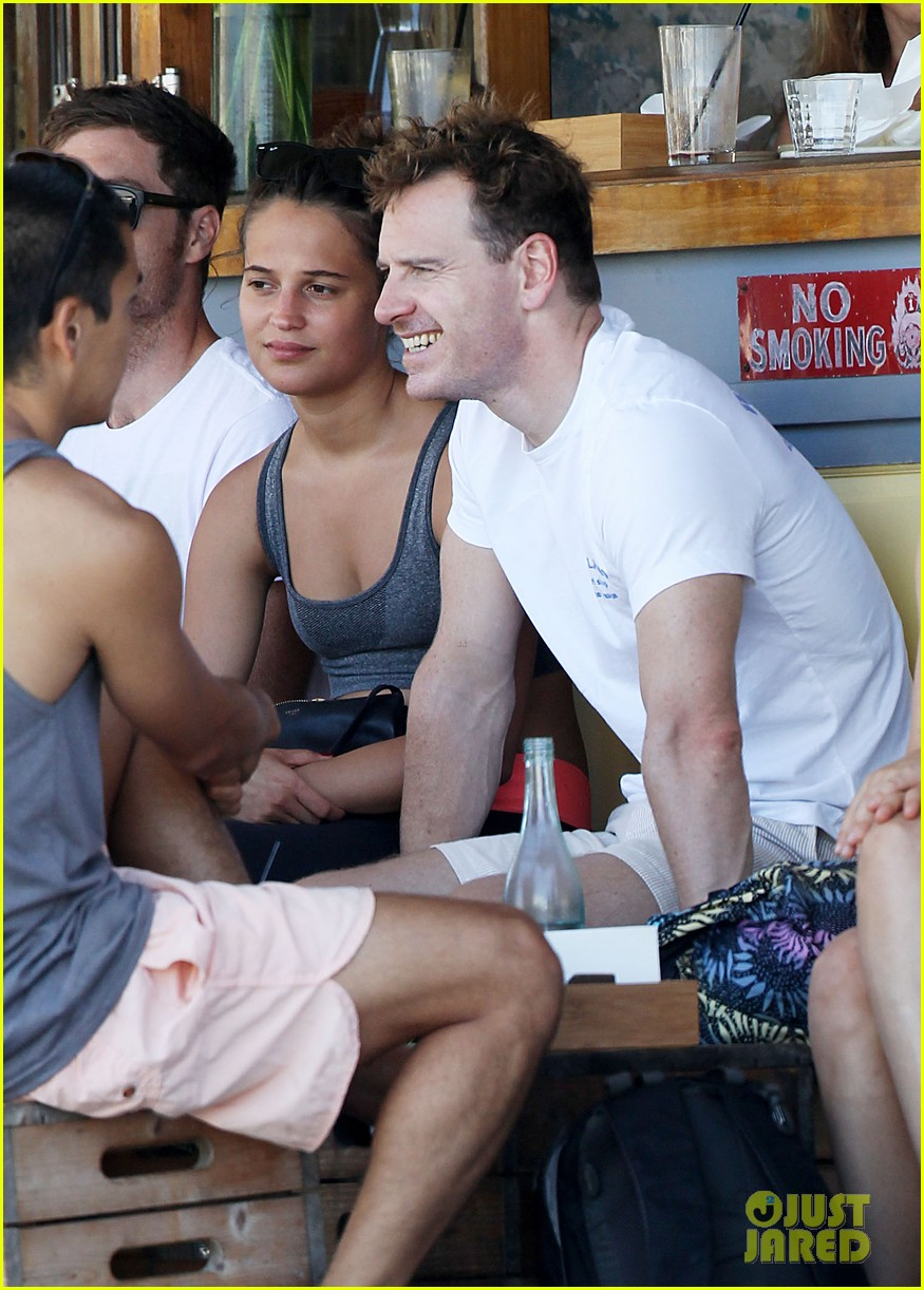 michael fassbender shirtless surfing in sydney 02