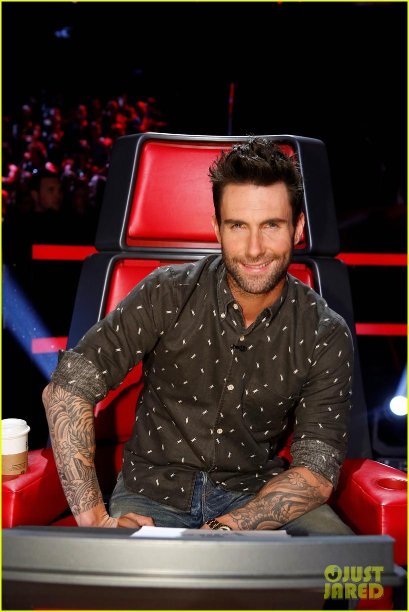 Adam Levine Kicks Off First 'Voice' Live Show With 'Animals ...