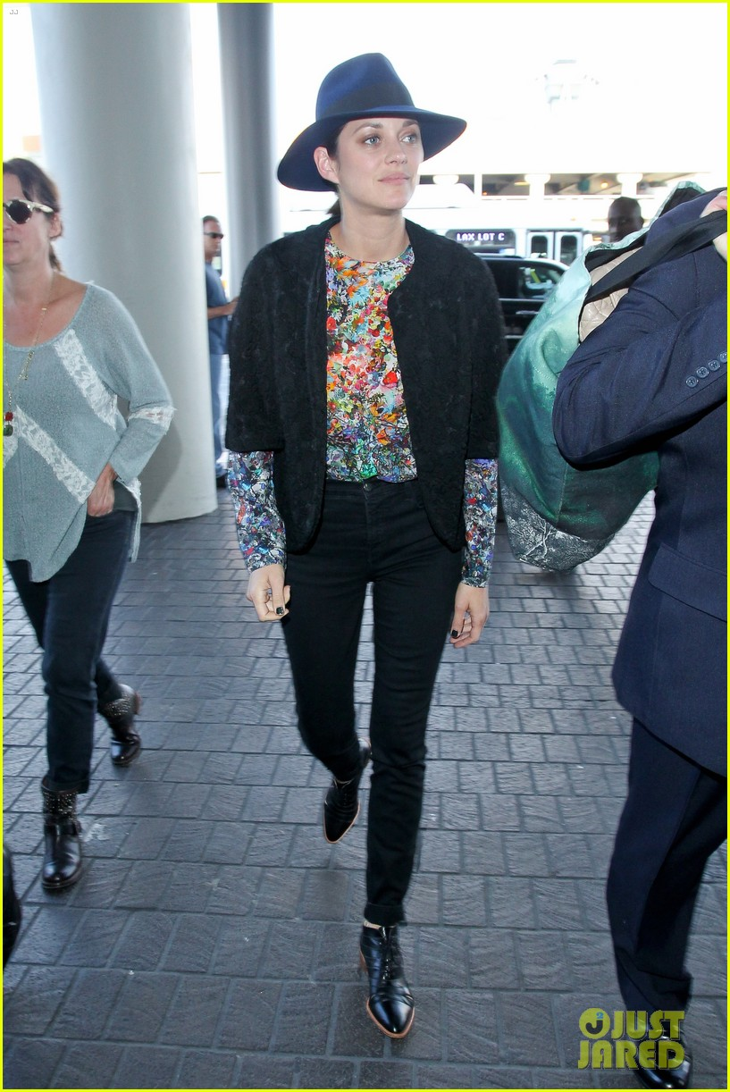 marion cotillard colorful style lax airport 013239720