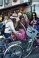 sarah jessica parker rome italy bike 14