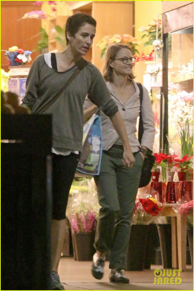 jodie foster all smiles for shipping trip with wife 02