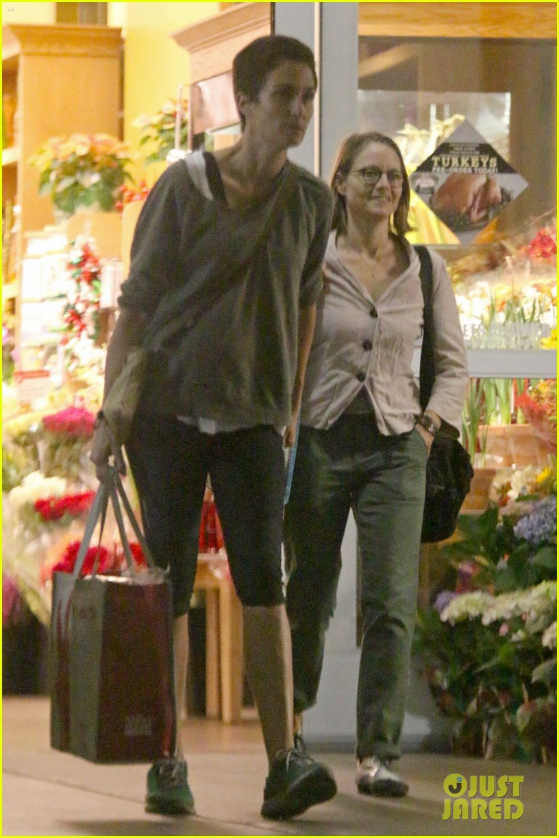 jodie foster all smiles for shipping trip with wife 03