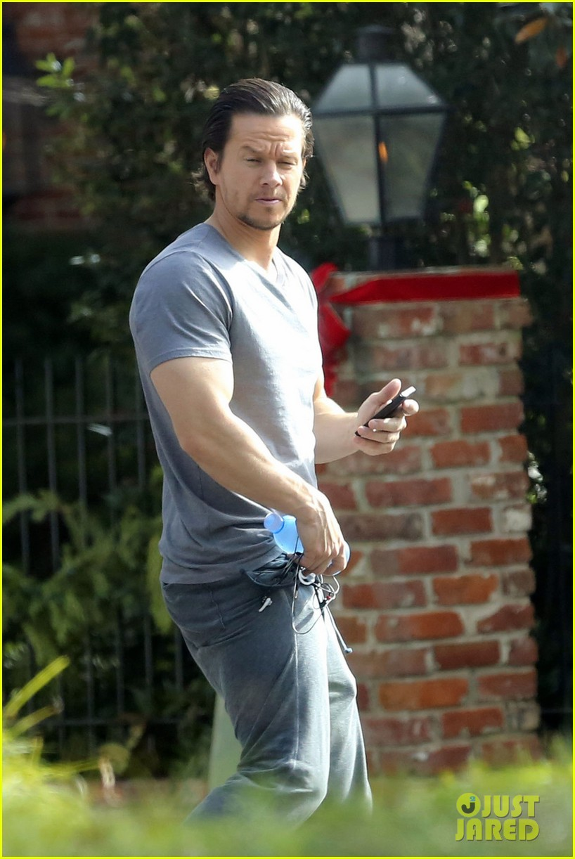 Mark Wahlberg Wants Pardon For Violent Racist Attack Of ... Mark Wahlberg Racist