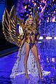 candice swanepoel lindsay ellingson victorias secret fashion show 2014 30