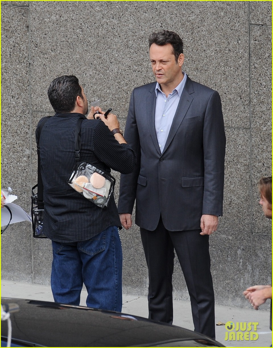 Full Sized Photo of vince vaughn starts true detective ... Mark Wahlberg
