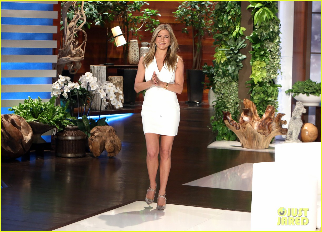 Jennifer aniston in saint laurent - Ellen show videos ...