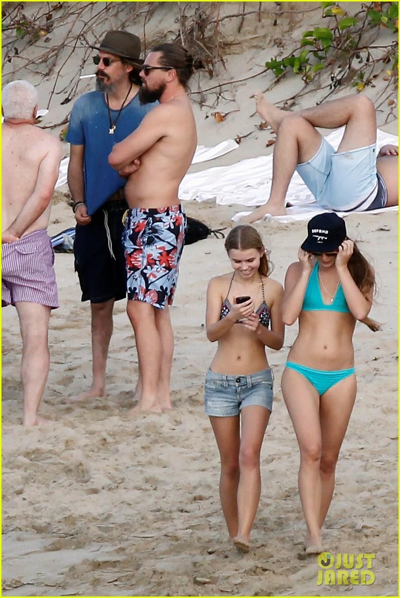 Дарья жукова на пляже фото