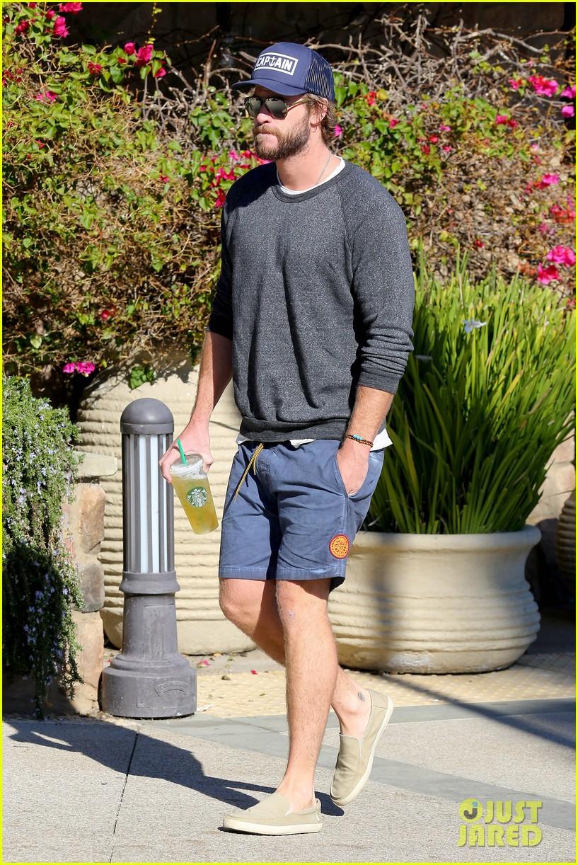 Hemsworth Kissing Teen 27