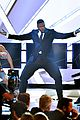 michael strahan strips in magic mike opening at critics choice 19