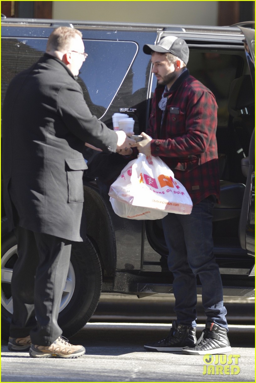 Legend ya en New York (13 Feb) Christina-aguilera-matthew-rutler-no-rush-to-marry-04