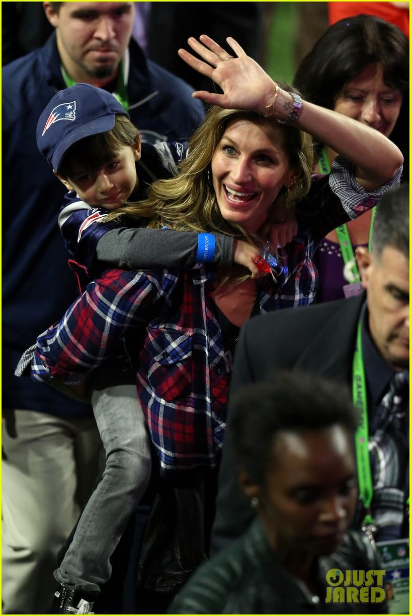 Gisele Bundchen Joins Tom Brady On Field After Super Bowl