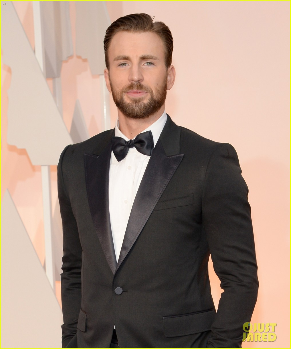Chris Evans Suits Up (Not as Captain America) for Oscars 2015: Photo ...