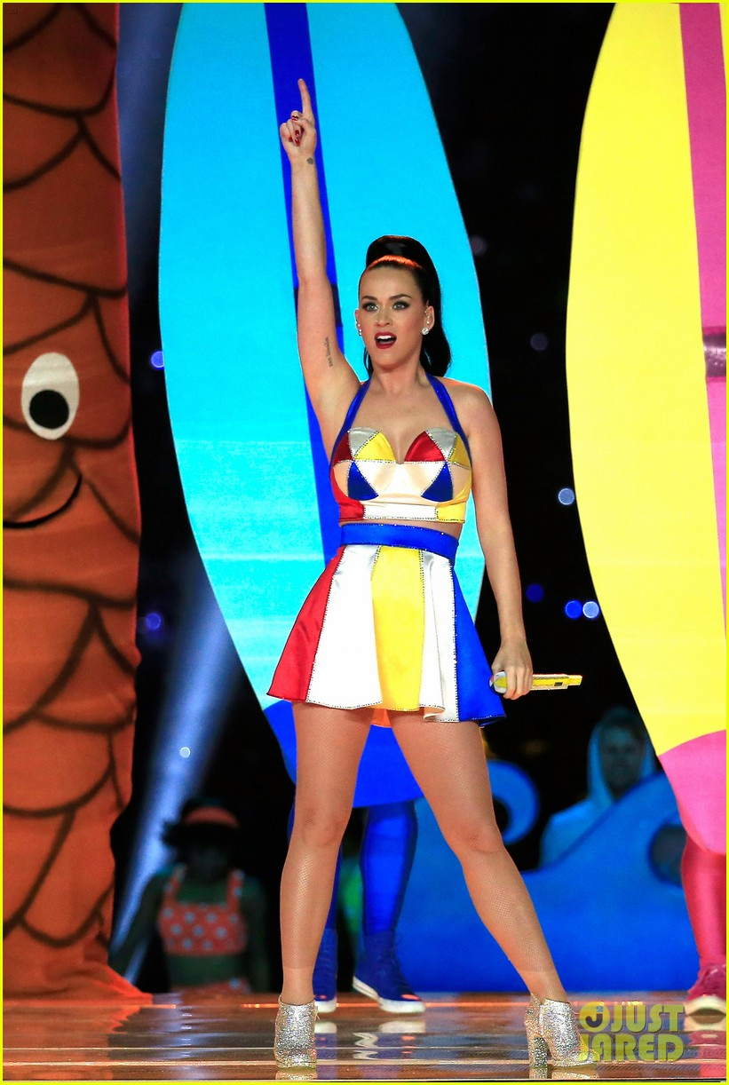Edmonton Journal - Page 2 Katy-perry-super-bowl-halftime-show-2015-01