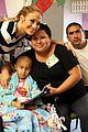 jennifer lopez visits los angeles childrens hospital 07