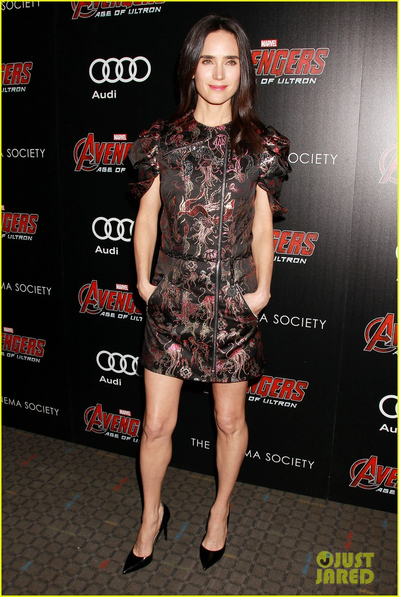 http://cdn02.cdn.justjared.com/wp-content/uploads/2015/04/avenge-nyc/avengers-cast-step-out-for-new-york-city-premiere-24.jpg