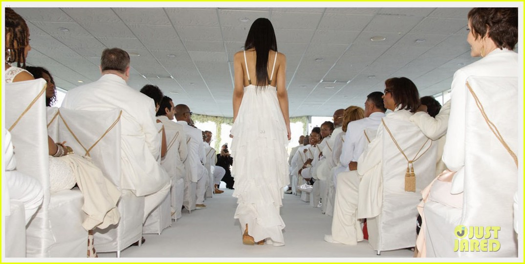 Full Sized Photo Of Beyonce Jay Z Blue Ivy Make Funny