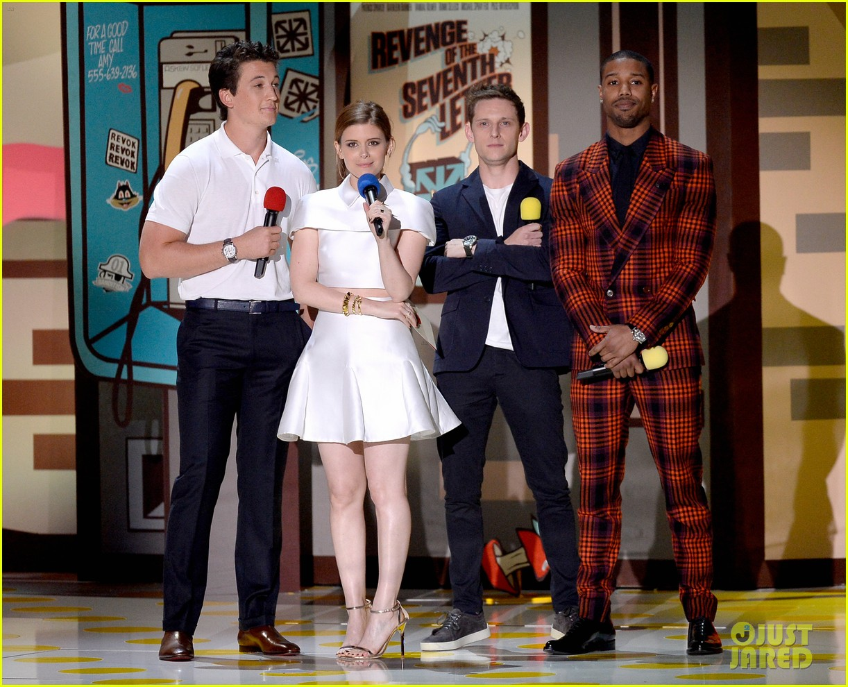 http://cdn02.cdn.justjared.com/wp-content/uploads/2015/04/fantastic-mtv/fantastic-four-mtv-movie-awards-2015-03.jpg