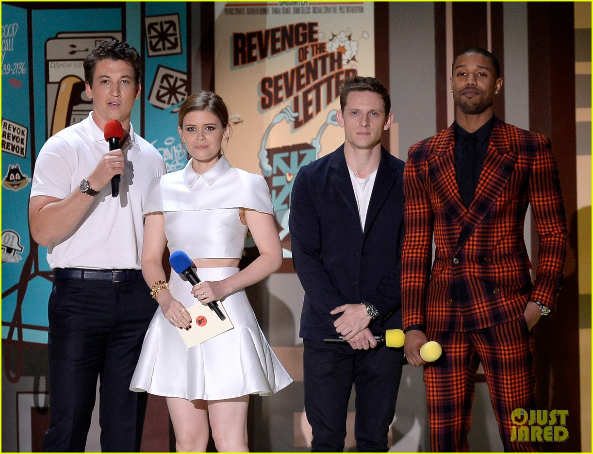 http://cdn02.cdn.justjared.com/wp-content/uploads/2015/04/fantastic-mtv/fantastic-four-mtv-movie-awards-2015-13.jpg
