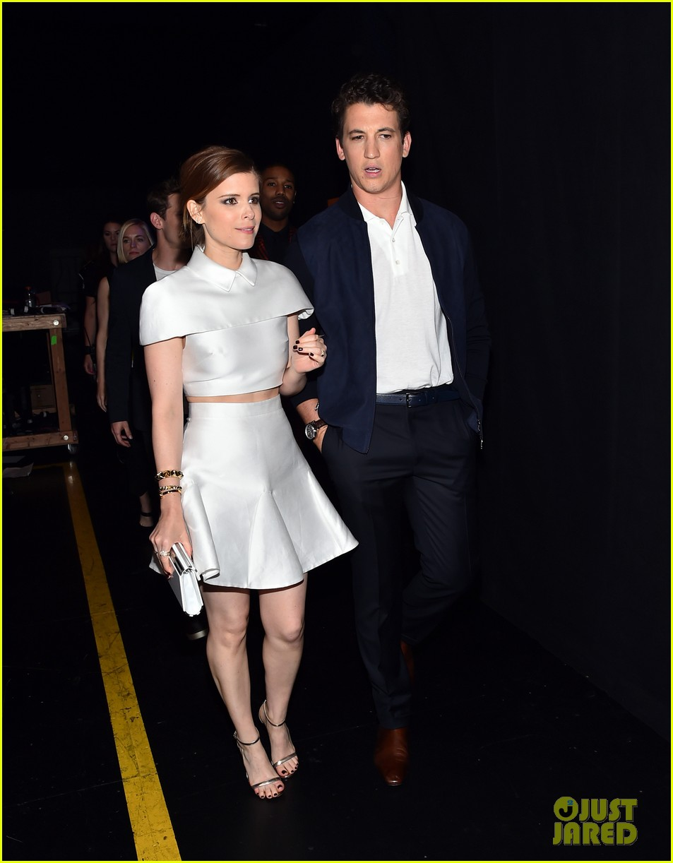 http://cdn02.cdn.justjared.com/wp-content/uploads/2015/04/fantastic-mtv/fantastic-four-mtv-movie-awards-2015-16.jpg