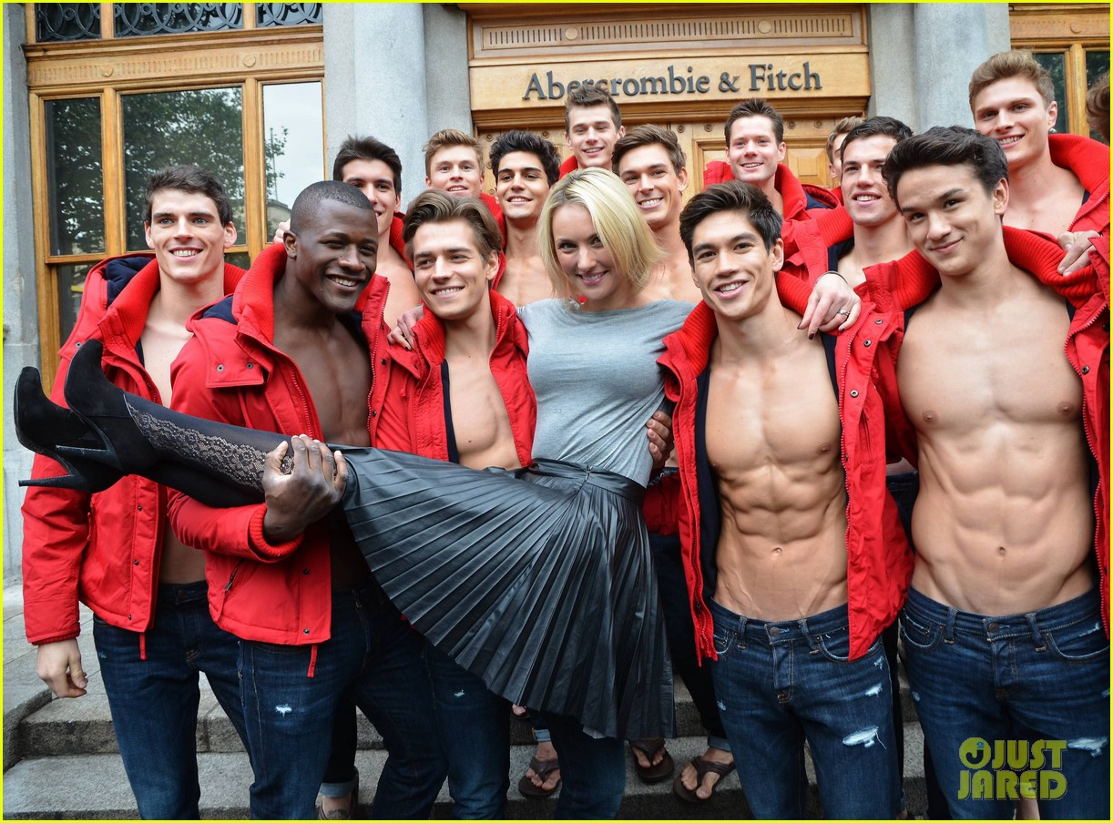 Abercrombie & Fitch Is Ditching The Shirtless Store Models: Photo ...