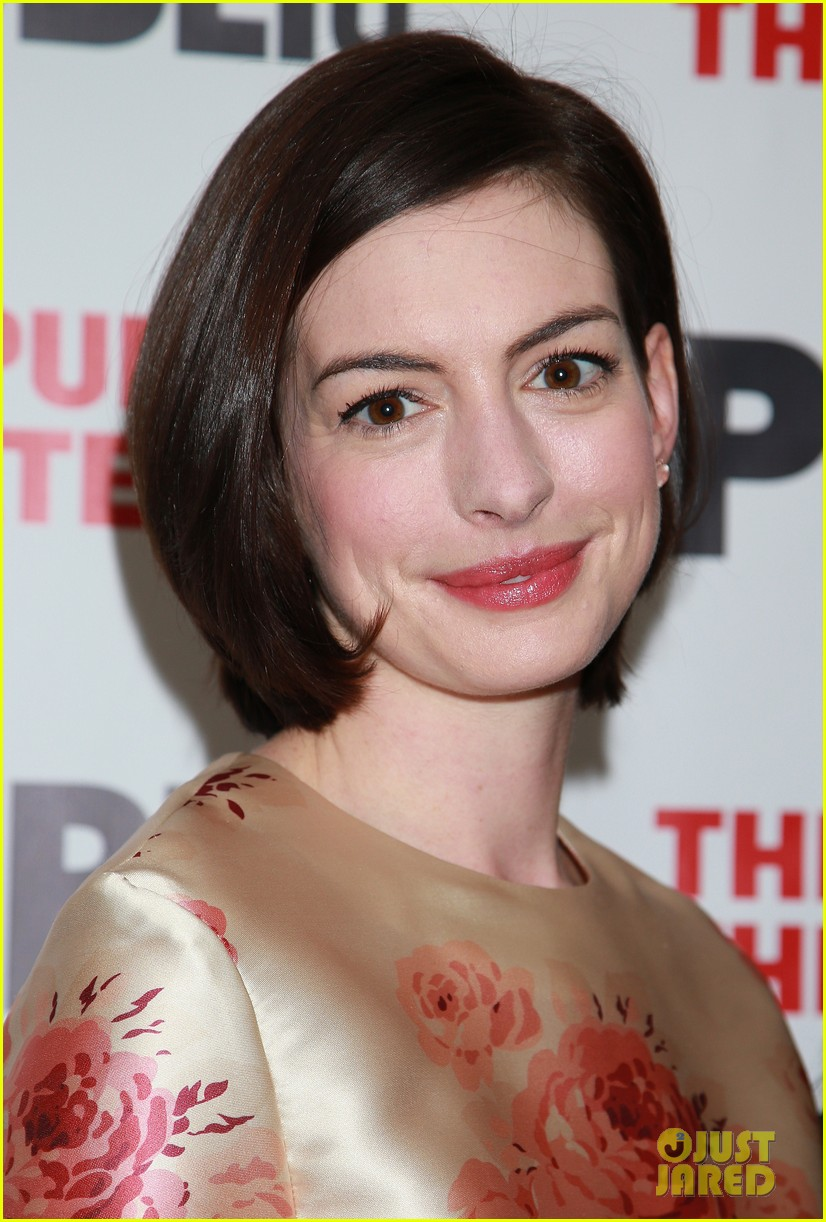 Anne Hathaway\'s Show \'Grounded\' Gets Support From Hugh Jackman ...