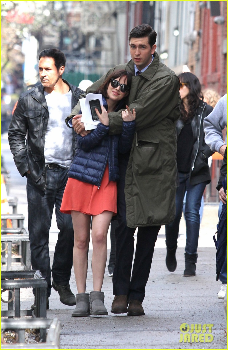 dakota johnson cuddles up to nicholas braun 083354216