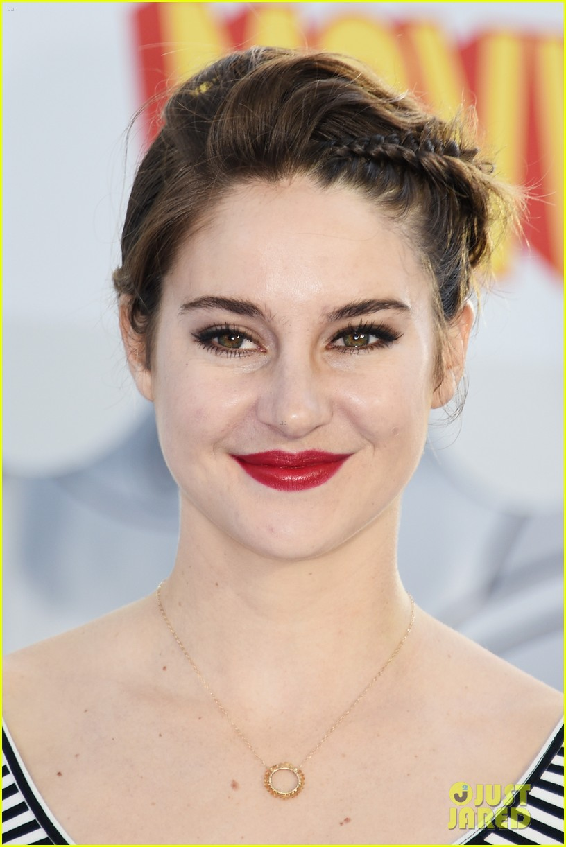 Shailene Woodley in Is...