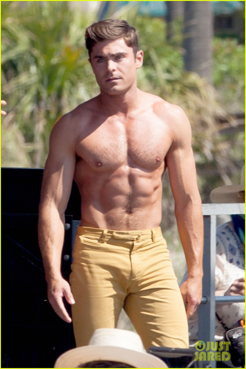 Zac Efron Robert De Niro Have Shirtless Contest On Set 09 on robert oscar peterson