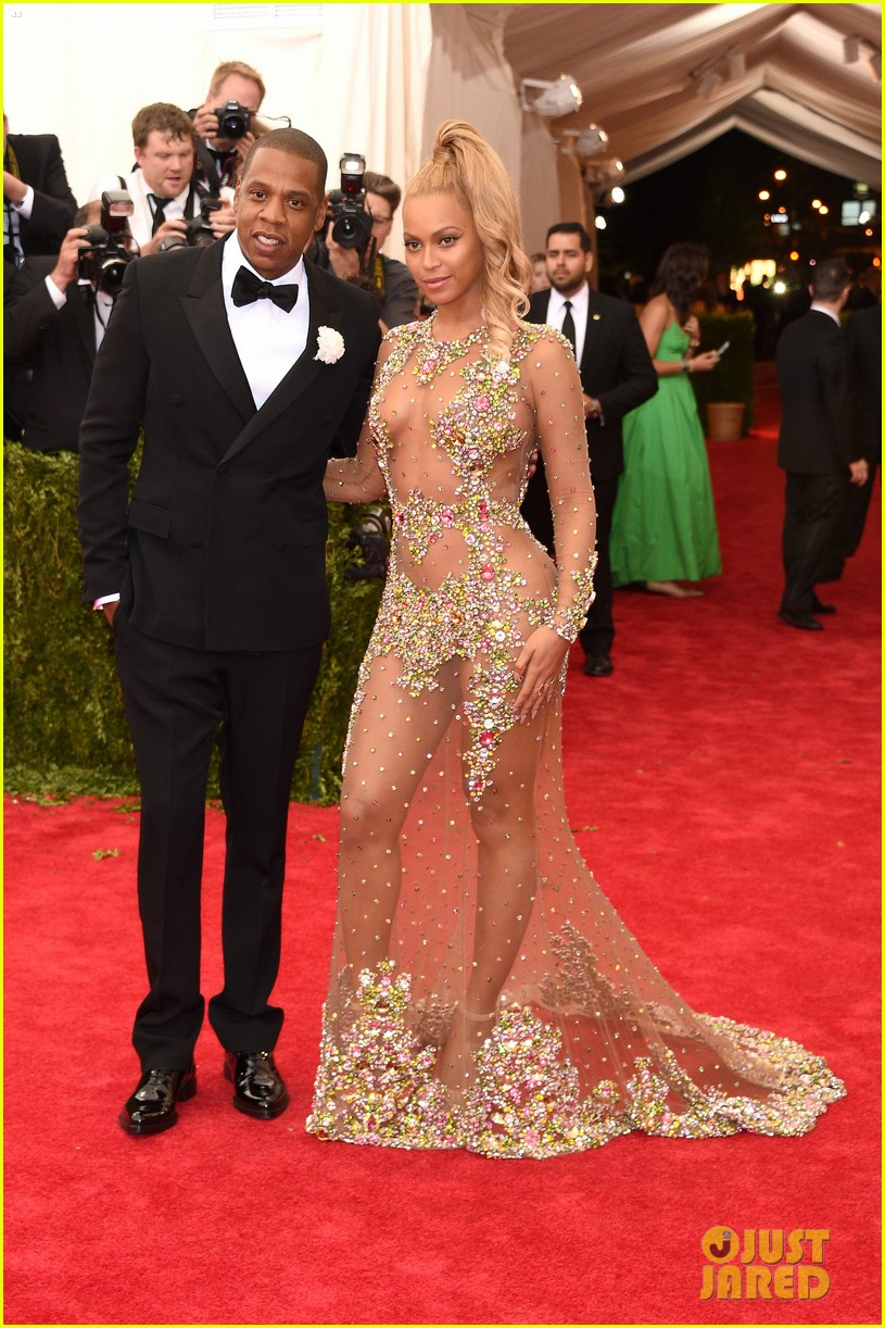 beyonce met ball 2015 red carpet01