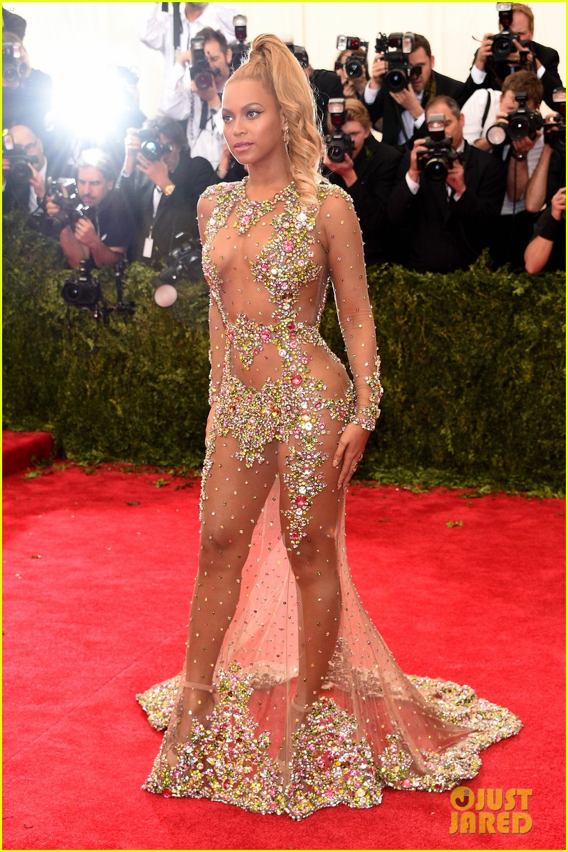 Full Sized Photo Of Beyonce Met Ball 2015 Red Carpet11