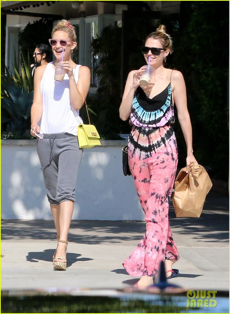 Full Sized Photo Of Kate Hudson Loves Steven Tyler Love Is Your Name 10 Photo 3377911 Just Jared