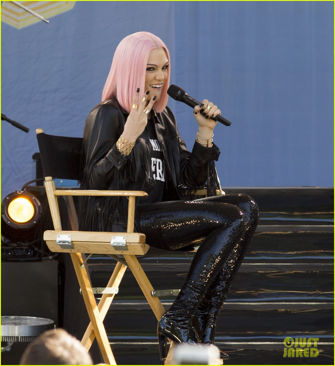 Full Sized Photo of jessie j flashlight performance new ... Good Morning America