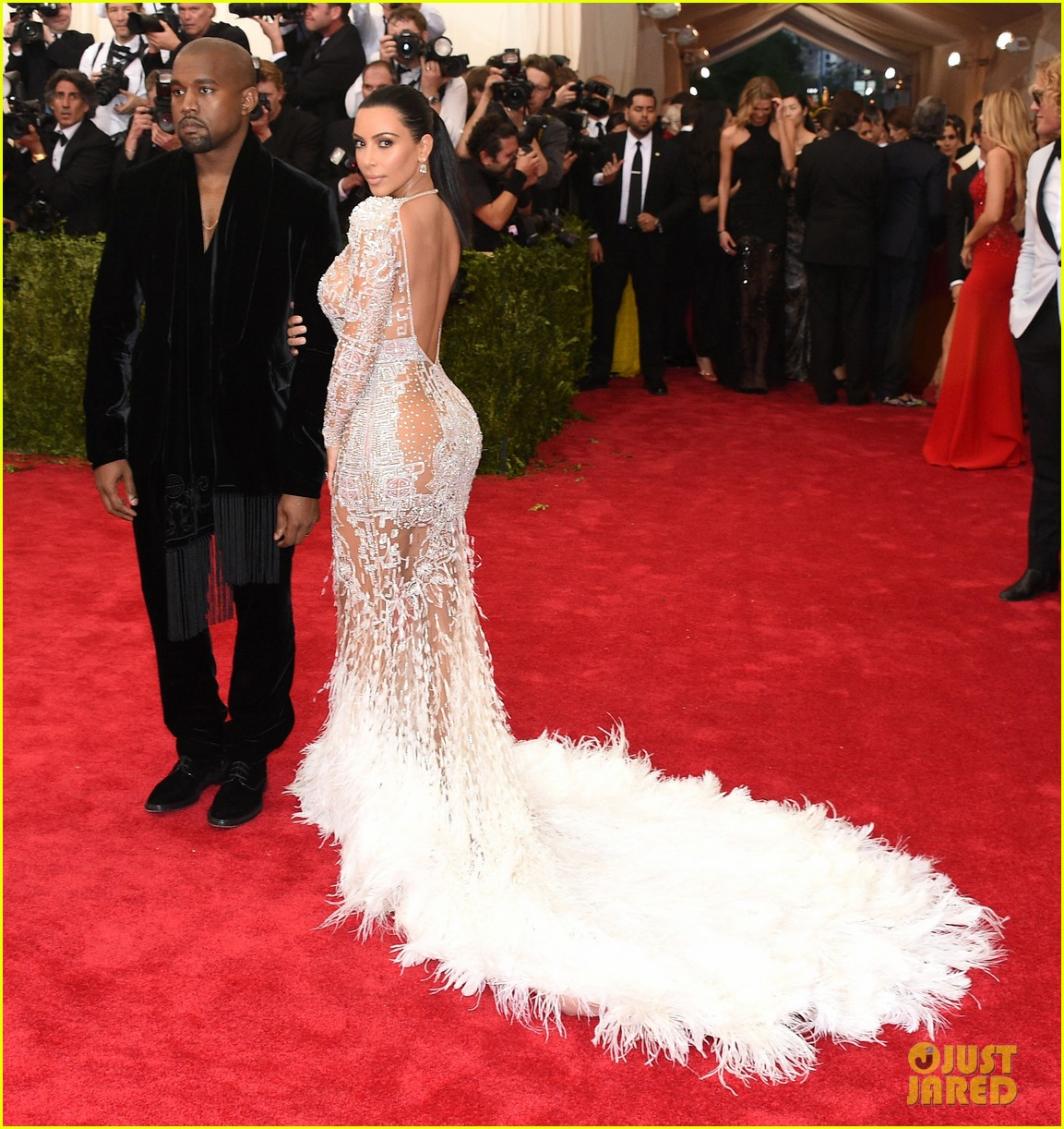 kim kardashians met gala 2015 dress was inspired by cher 05