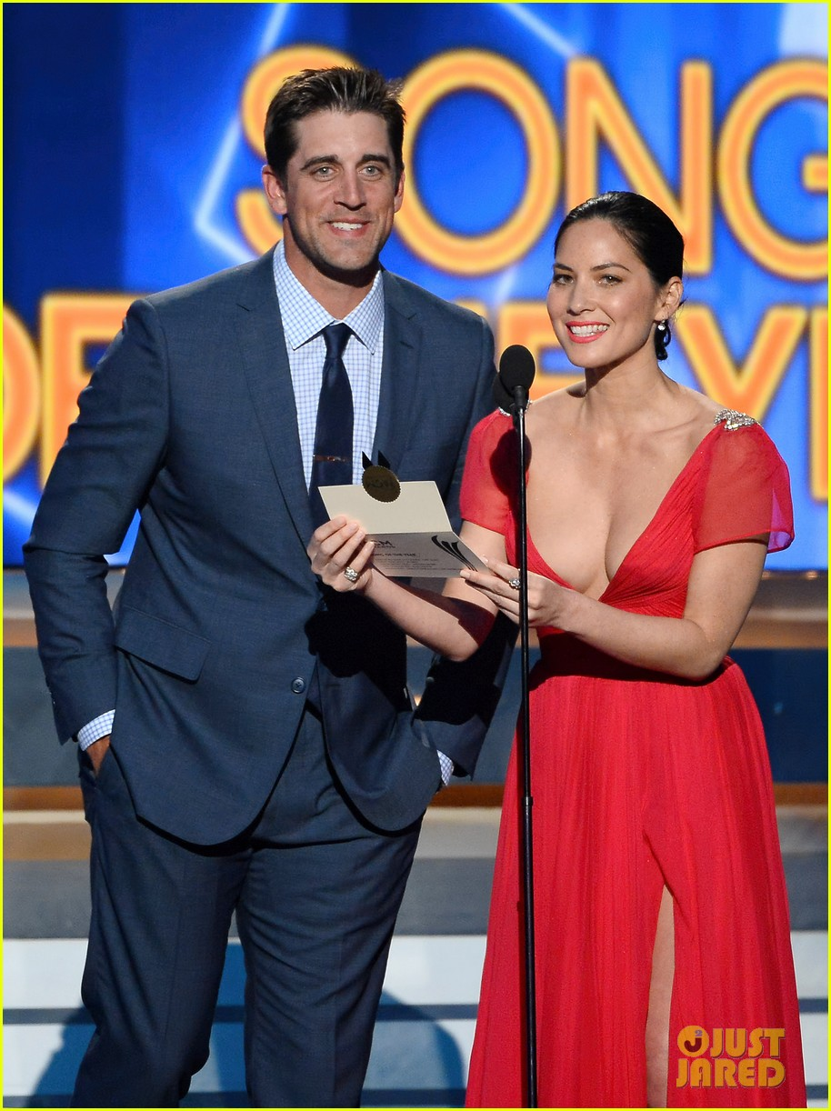 olivia munn turned down celebrity jeopardy so aaron rodgers accepted 053368381