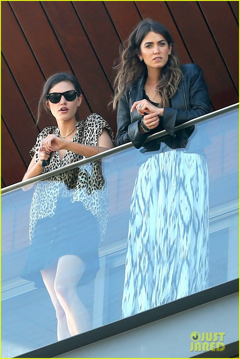 nikki reed phoebe tonkin have a girls day out in rio 123361038