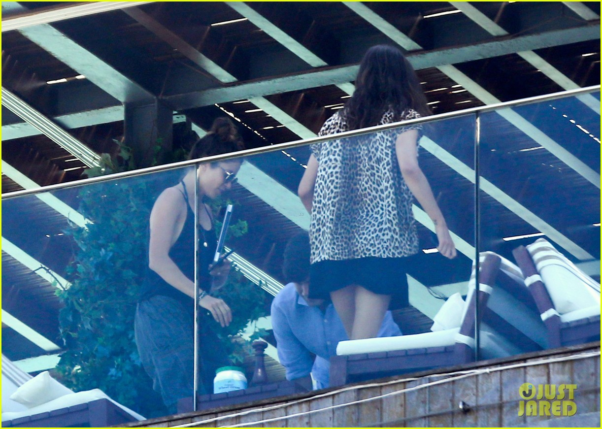 nikki reed phoebe tonkin have a girls day out in rio 193361045