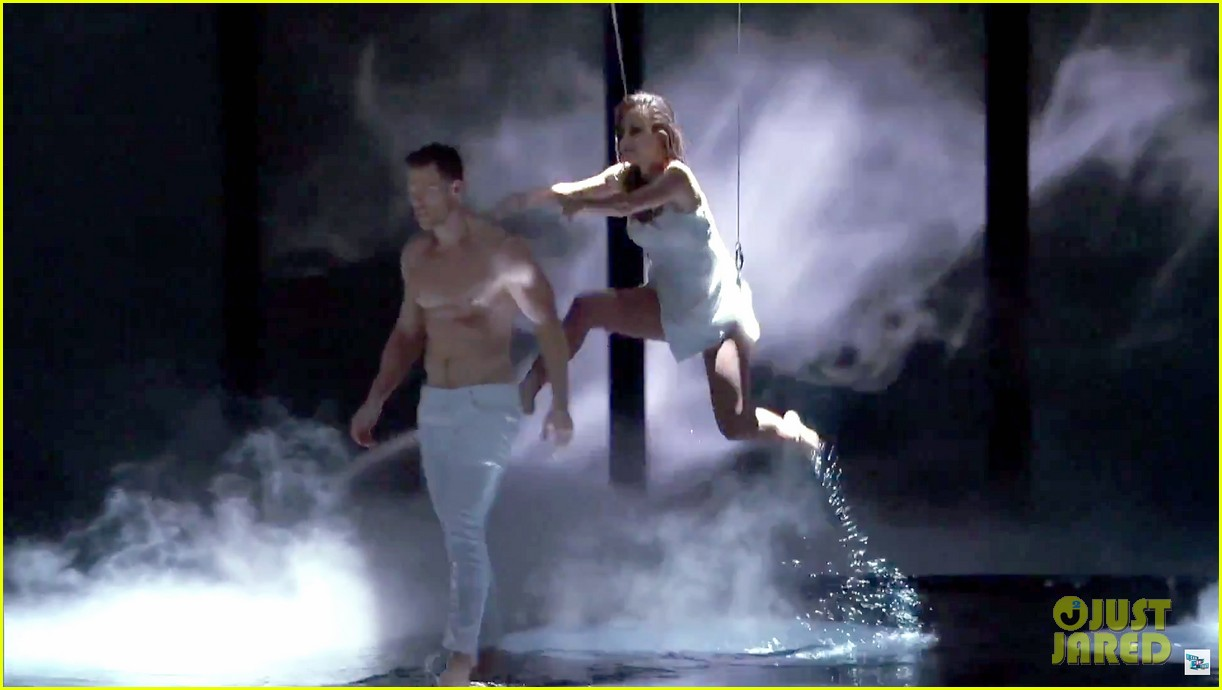 alan ritchson goes shirtless for i can do that aerial dance 07