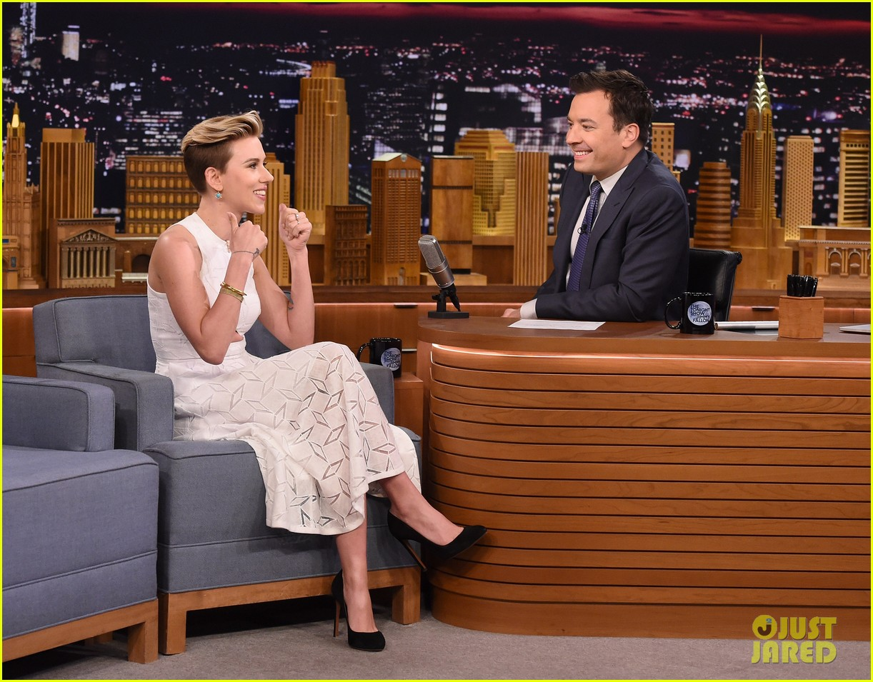http://cdn02.cdn.justjared.com/wp-content/uploads/2015/05/scarjo-fallon/scarlett-johansson-plays-whats-in-the-box-with-jimmy-fallon-10.jpg
