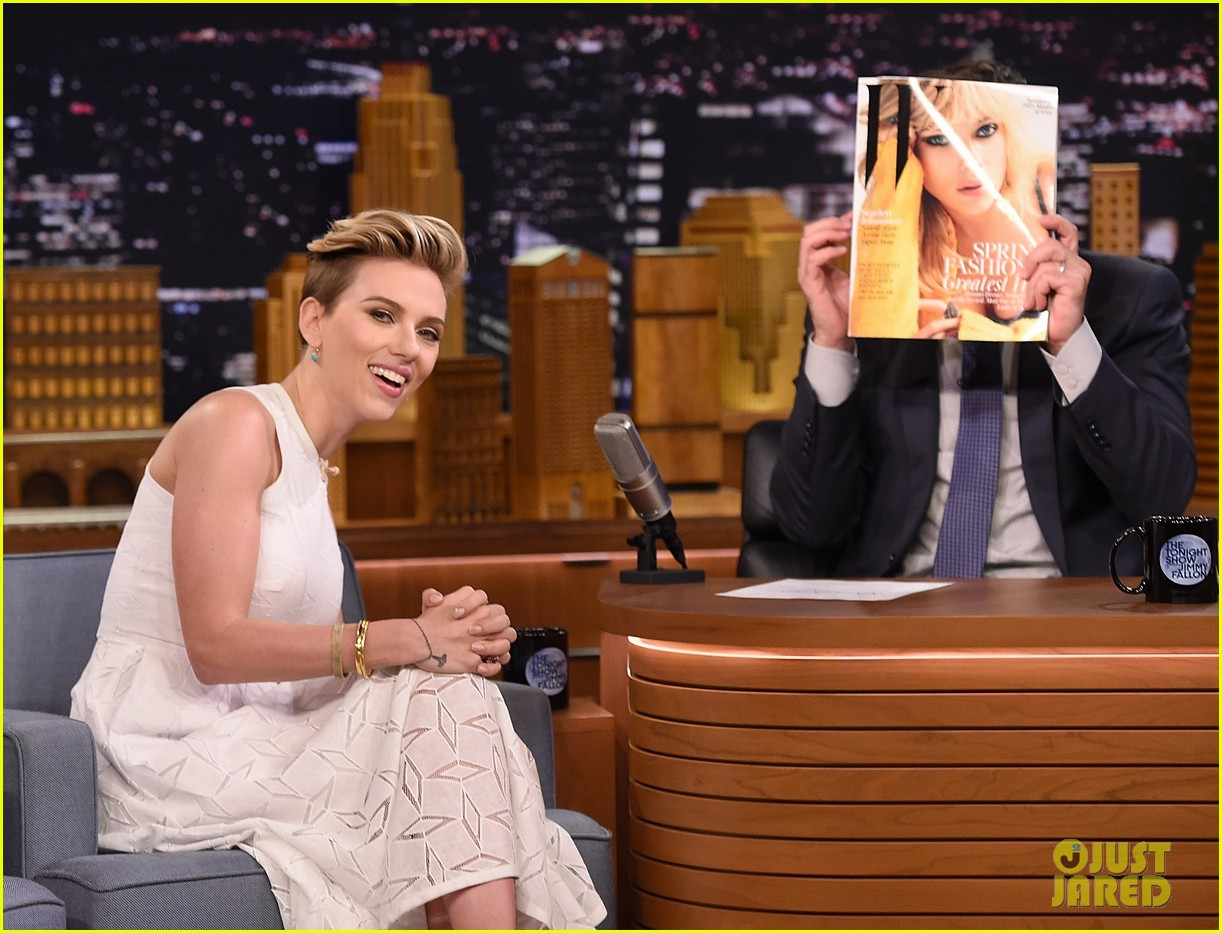 http://cdn02.cdn.justjared.com/wp-content/uploads/2015/05/scarjo-fallon/scarlett-johansson-plays-whats-in-the-box-with-jimmy-fallon-13.jpg