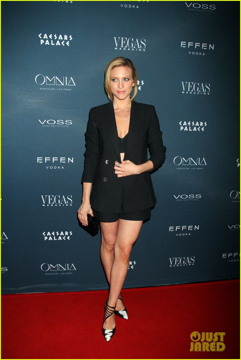brittany snow vegas magazine anniversary party 03