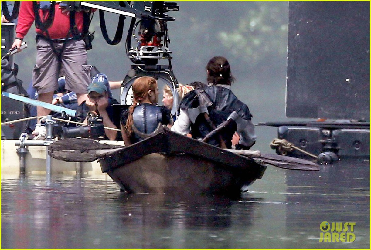 Chris Hemsworth & Jessica Chastain Continue to Film 'The Huntsman' in ... Jessica Chastain