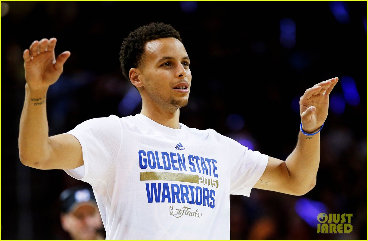 Stephen Curry Celebrates Warriors Win with Wife & Daughter!: Photo 3395431 | Ayesha Curry, Riley ...