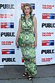 anne hathaway julianna margulies hubby keith lieberthal step out for the public 15