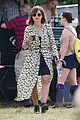 jenna coleman suki waterhouse 2015 glastonbury 26
